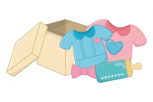Babykleidung mit babyflasche