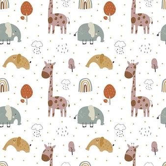 Babymuster mit handzeichnung des niedlichen elefanten und der giraffe im weiß