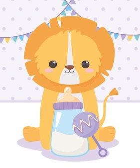 Babyparty, kleiner löwe sitzt mit rassel und flaschenmilch, feier willkommen neugeborenes