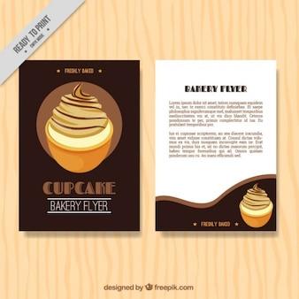 Bäckerei-flyer mit einem köstlichen kleinen kuchen
