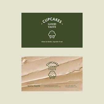 Bäckerei-visitenkarten-vorlagenvektor in grün und beige mit zuckerguss-textur
