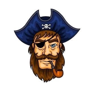 Bärtige karikaturpiratenkapitäncharakter-rauchende pfeife, die augenklappe und blauen hut mit lustigem roger-symbol trägt.