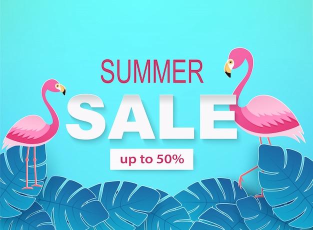 Banner mit tropischen blättern und flamingos in blauen farben. sommerverkauf hintergrund.