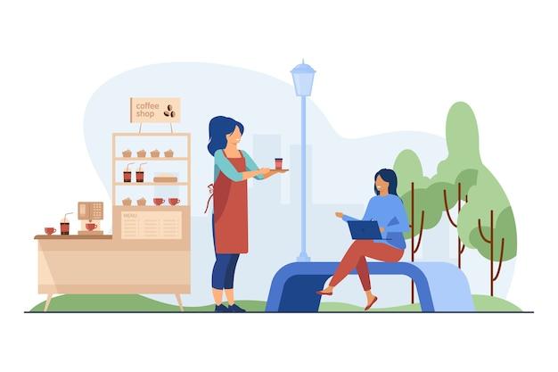Barista trägt kaffee zum mitnehmen zum kunden im freien.