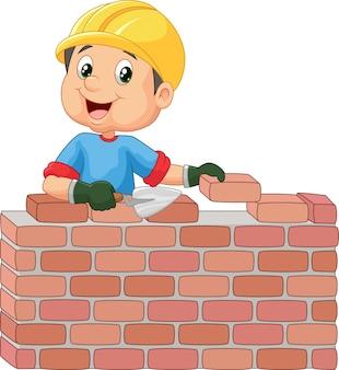 Bauarbeiter, der ziegelsteine legt