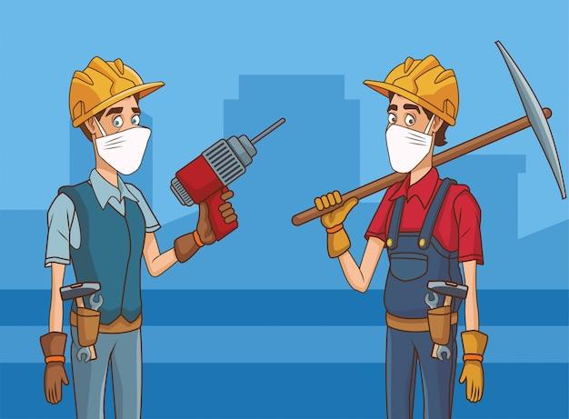 Bauherrenpaar mit gesichtsmaske