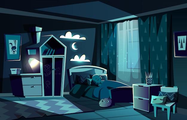 Beleuchtet durch mondscheinkinderraum mit kleinem jungen, der in gemütliches bett mit nachtlichtlampe gleitet