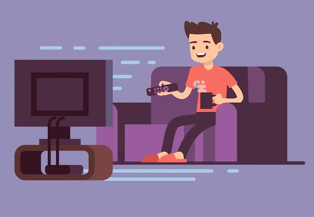 Bemannen sie aufpassendes fernsehen und trinkenden kaffee auf sofa in der innenraumvektorillustration des hauptraums