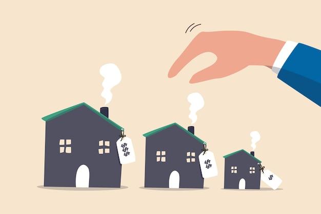 Berechnung der erschwinglichkeit von häusern oder hypotheken, auswahl einer neuen basis für das budget. geschäftsmann hand klug denken, verschiedene varianten häuser mit preisschild zu wählen.