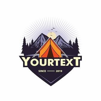 Bergabenteuer, camping, klettern, expedition, etiketten, vektor logo template