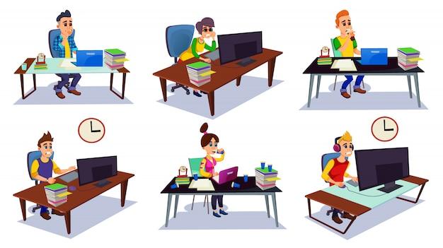 Betonter büroangestellter, der spät am arbeitsplatz bleibt
