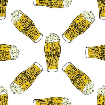 Bier trinken handgezeichnete schriftzug nahtlose muster oktoberfest bierliebhaber nahtlose textur vektor il...