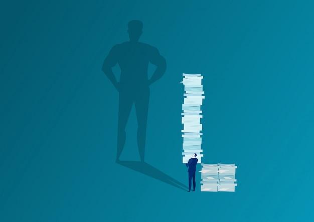 Big boss-schatten, der seinem angestellten viel papier harte arbeit befiehlt