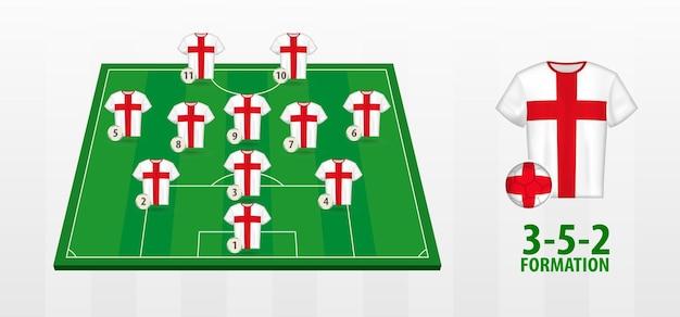 Bildung der englischen fußballnationalmannschaft auf dem fußballplatz