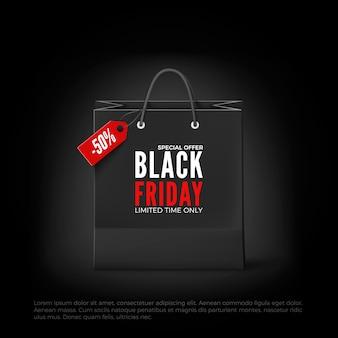 Black friday konzept. schwarze papiertüte mit tag sale und text. schwarze freitag banner vorlage. isoliert auf schwarzem hintergrund