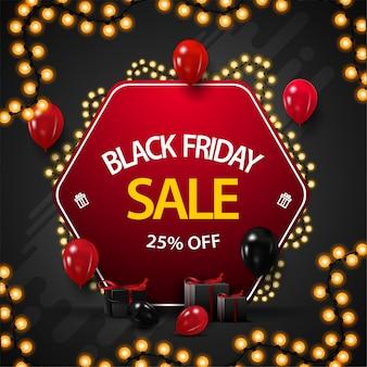Black friday sale, bis zu 25% rabatt, rabatt-banner in form einer roten raute, die mit einer girlande umwickelt und mit luftballons und geschenken verziert ist