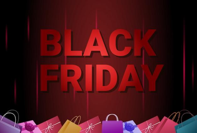 Black friday-verkaufsfahne mit einkaufstaschen am hintergrund-feiertags-rabatt-plakat-konzept