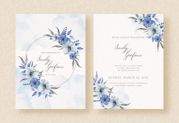 Blau der kranzblumen und des spritzaquarellhintergrundes auf hochzeitseinladungskarte