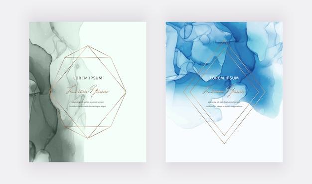 Blaue und grüne alkoholtintenkarten mit goldenen geometrischen polygonalen linienrahmen.