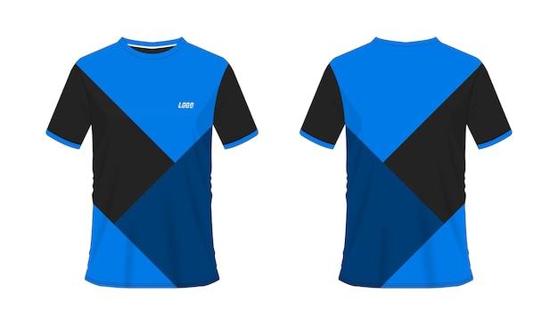 Blaue und schwarze fußball- oder fußballschablone des t-shirts für mannschaftsverein auf weißem hintergrund. jersey sport,