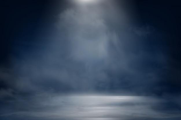 Blauer dunkler nachthimmel mit strahlen, strahlen. rauch mit nebel auf einem dunklen hintergrund.