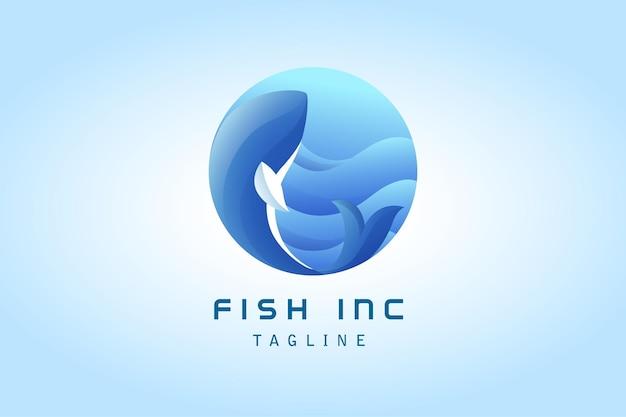 Blauer fisch mit logo mit meereswellenverlauf für unternehmen