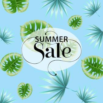 Blaues promoplakat des sommerschlussverkaufs mit tropischem blattmuster.