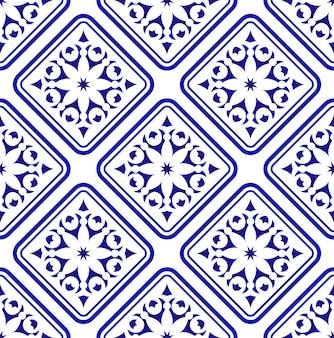 Blaues und weißes dekoratives nahtloses mit blumenmuster