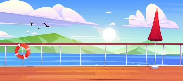 Blick vom deck des kreuzfahrtschiffes auf das meer mit bergen