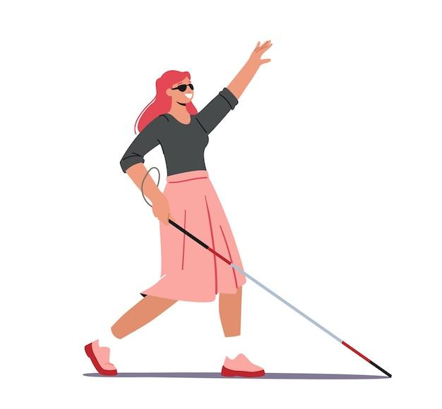 Blinde frau mit gehstock und sonnenbrille, die die straße entlang geht