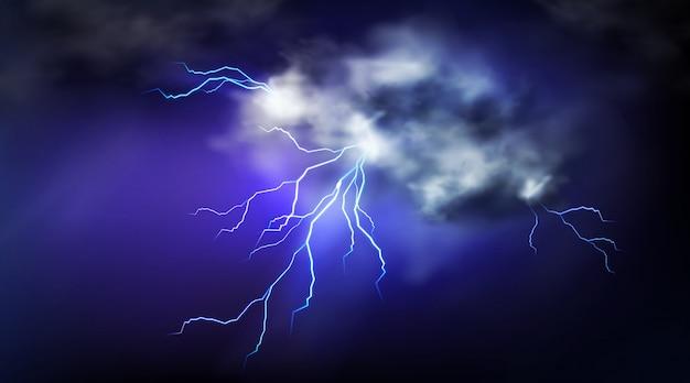 Blitzeinschläge und gewitterwolke