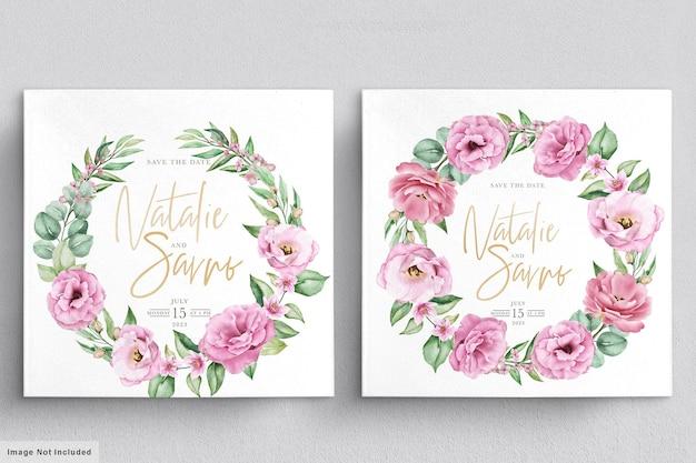 Blumenhochzeitseinladungsschablone gesetzt mit rosa rosenblumen und -blättern