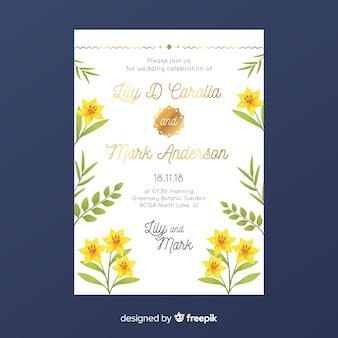 Blumenhochzeitseinladungsschablone mit goldenen gestaltungselementen