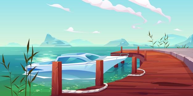 Boot, yacht festgemacht zum hölzernen pier auf fluss oder see