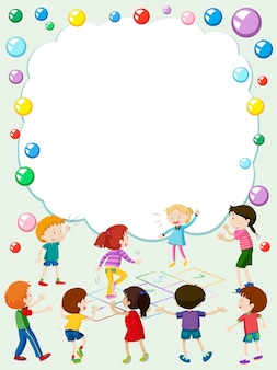 Border-vorlage mit kindern spielen hopscotch