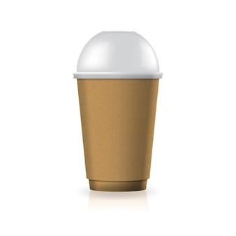 Braune kaffee-teetasse aus kraftpapier-kunststoff mit klarem kuppeldeckel in mittelgroßer schablone.