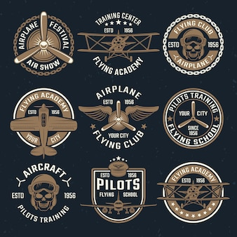 Braunes flugzeug-emblem-set