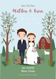 Braut und bräutigam, die hand unter dem baum mit rustikaler farmhochzeitsart-einladungskarte halten