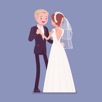Braut und bräutigam in einem ersten tanz bei der hochzeitszeremonie