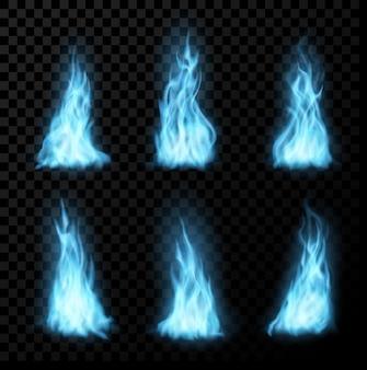 Brennende blaue flammen des erdgases. realistisches vektorfeuer von kaminbrenner, lagerfeuer, lagerfeuer oder magischem feuerball auf transparentem hintergrund. 3d-feuerflammen und propangaszungen brennen