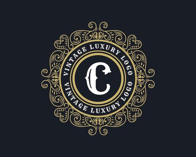 Buchstabe c antikes viktorianisches kalligrafielogo im retro-luxus