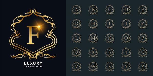 Buchstabe f oder sammlungsinitialalphabet mit goldener logoschablone des luxusverzierungsblumenrahmens.