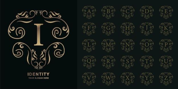 Buchstabe i oder sammlungsanfangsalphabet mit goldener logoschablone des luxuriösen ornamentblumenrahmens.