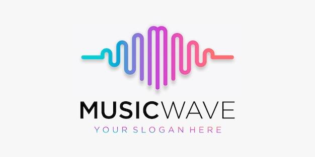 Buchstabe m mit puls. musik-player-element. logo-vorlage elektronische musik, equalizer, laden, dj-musik, nachtclub, disco. audio-wellen-logo-konzept, thematische multimedia-technologie, abstrakte form.