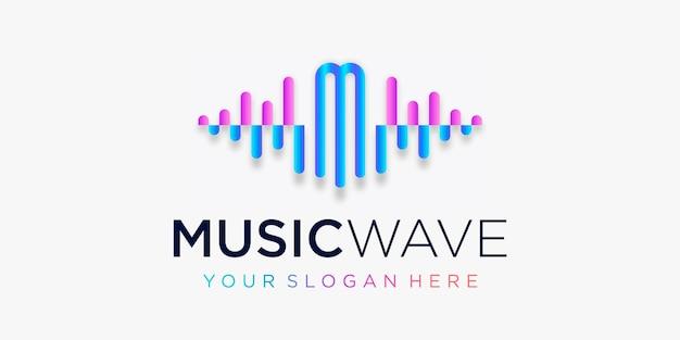 Buchstabe m mit pulsmusik-player-element-logo-vorlage für elektronischen musik-equalizer-shop