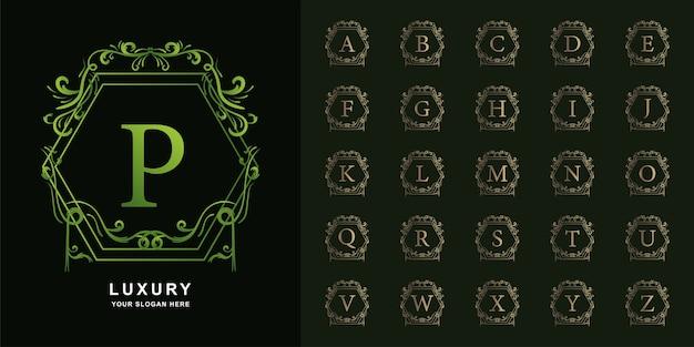 Buchstabe p oder sammlungsinitialalphabet mit goldener logo-schablone des luxusornamentblumenrahmens.