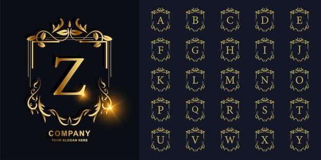 Buchstabe z oder sammlungsinitialalphabet mit goldener logoschablone des blumenrahmens der luxusverzierung.