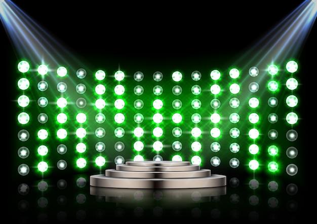 Bühnenpodium mit scheinwerfern auf dunklem hintergrund