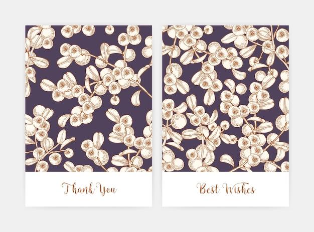 Bündel von postkarten- oder fliegerschablonen, verziert durch preiselbeerzweige, die von hand mit konturlinien gezeichnet werden. kartenset mit reifen frischen borealen bio-beeren. natürliche illustration im vintage-stil.