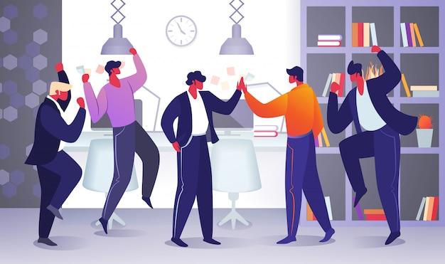 Büro-mitarbeiter-charaktere freuen sich über neues projekt
